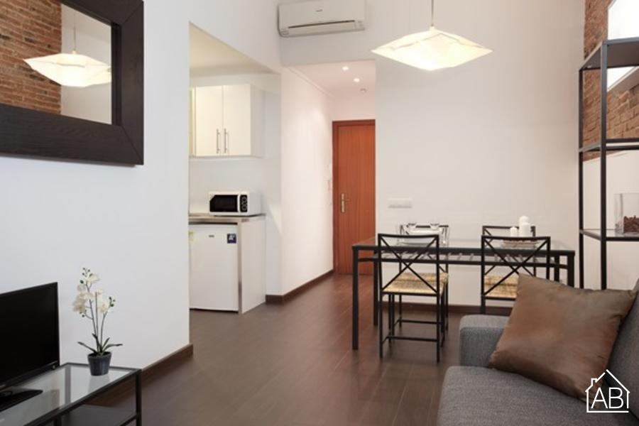 Sagrada Familia Building Ground - Authentic one-bedroom apartment for four people in Eixample - AB Apartment Barcelona