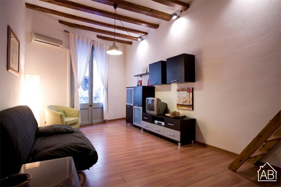AB Bohemian Riera Baixa - Centrally located apartment for six people in Barcelona - AB Apartment Barcelona
