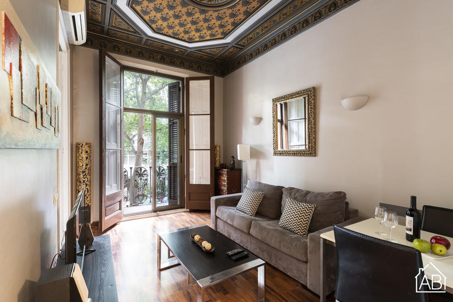 AB Casanova Apartment - Beautiful 1-bedroom Apartment with a Balcony near Passeig de Gràcia - AB Apartment Barcelona