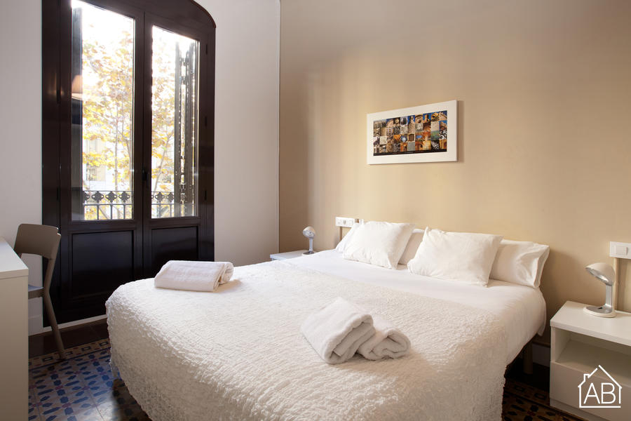 AB Bailén Apartment 1-2A - Spacious Apartment with a Balcony 15 Minutes from the Sagrada Família - AB Apartment Barcelona