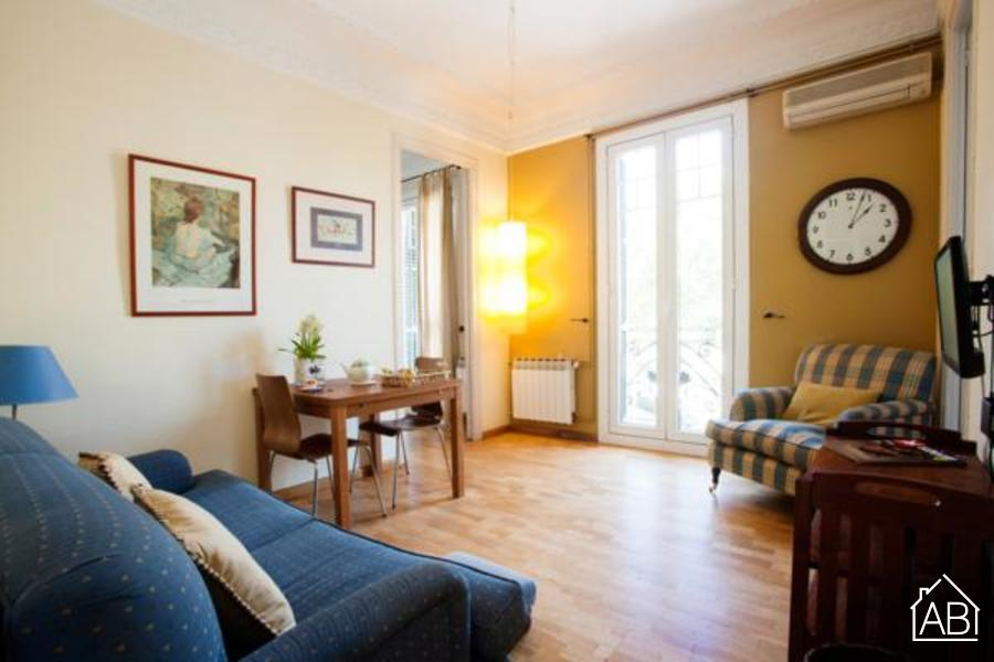 AB Gran Via - Rocafort Apartment - Comfortable three bedroom apartment on Gran Via - AB Apartment Barcelona