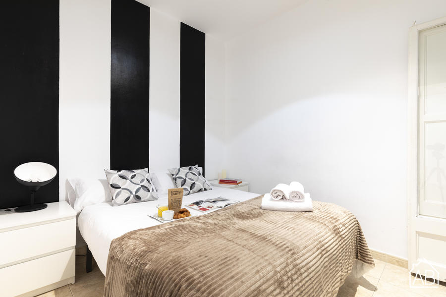 The Camp Nou FCB Apartment - Spacious three-bedroom apartment next to the Camp Nou stadium - AB Apartment Barcelona