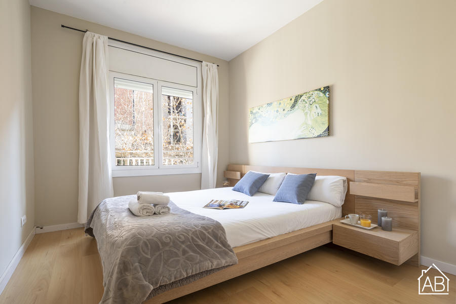 AB Gaudí Avenue Apartment - Spacious 3-Bedroom Apartment with a Balcony, just Steps from the Sagrada Família - AB Apartment Barcelona