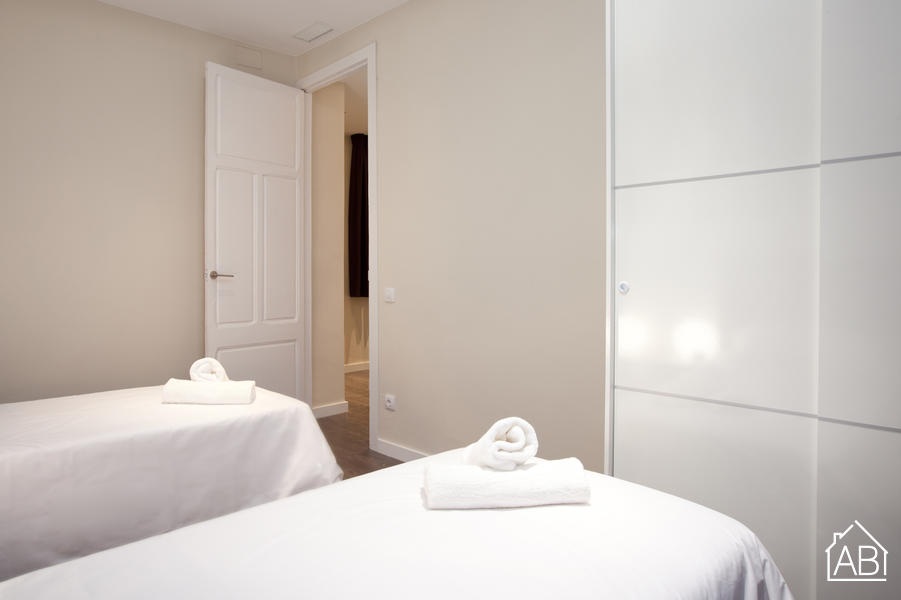 AB Plaça Espanya 1-1 - Chic and Central 3-Bedroom Eixample Apartment near Plaça d´Espanya - AB Apartment Barcelona