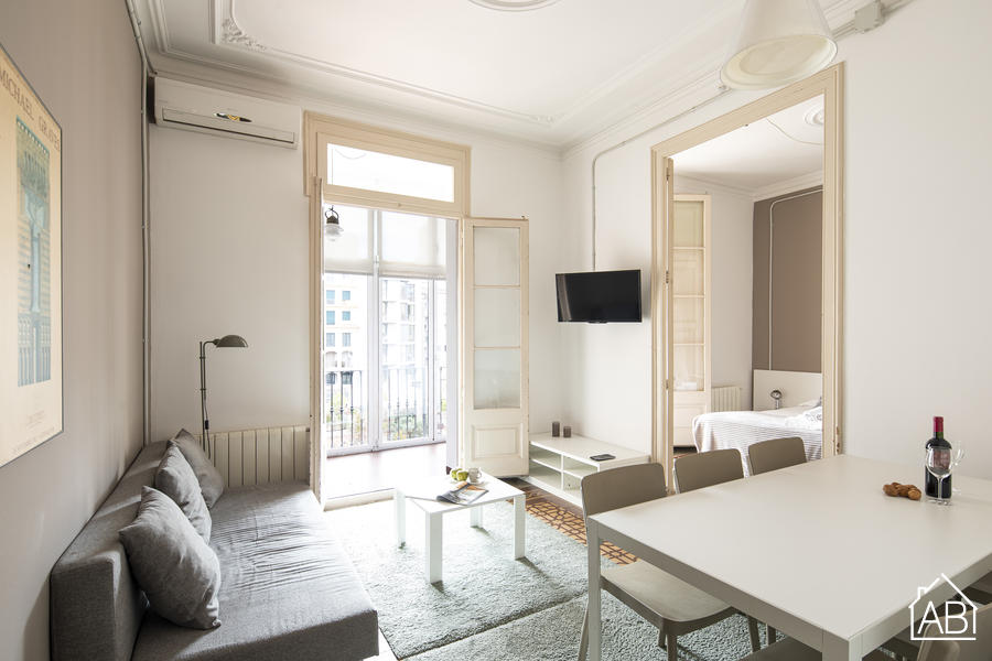 AB Bailén Apartment - Bright Apartment with a Balcony 15 Minutes from the Sagrada Família - AB Apartment Barcelona