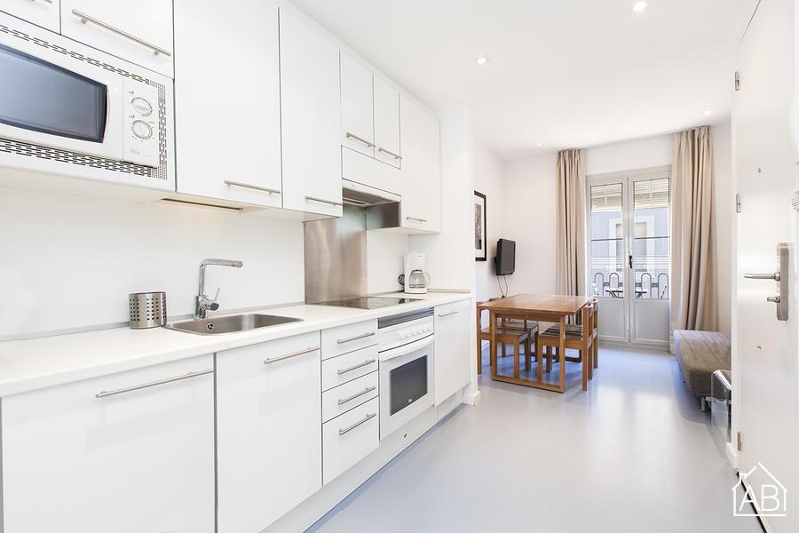 AB Andrea Doria Beach 4-1 - Semplice Appartamento con Terrazzo Condominiale sulla Spiaggia di Barceloneta - AB Apartment Barcelona