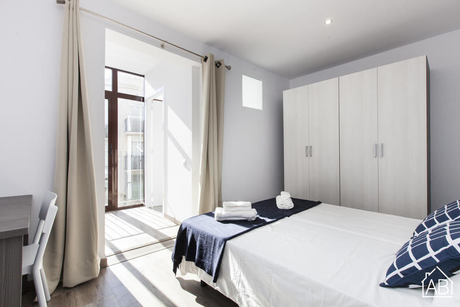 AB Margarit V - Modern 3-bedroom Apartment with a Balcony in Poble Sec - AB Apartment Barcelona