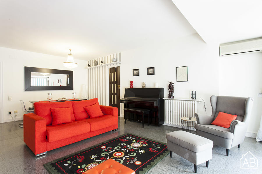 AB Francesc Macia Attic - Bright, two-bedroom apartment in the picturesque neighborhood of Eixample - AB Apartment Barcelona
