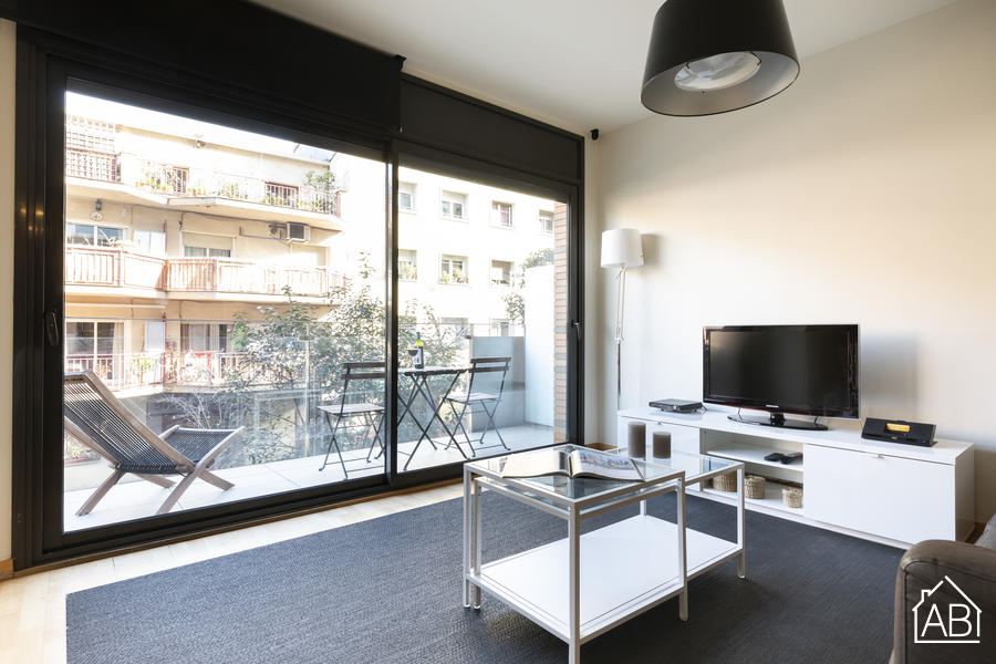 AB Park Güell Apartment - Elegant 4-Bedroom Apartment near Park Güell with a Balcony  - AB Apartment Barcelona