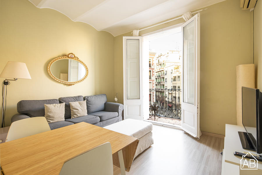 AB Centric Apolo - Chic Two-Bedroom Apartment in Artistic and Cosmpolitan Raval Quarter - AB Apartment Barcelona