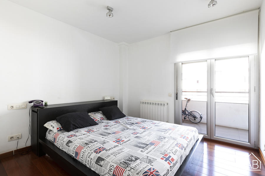 BRIGHTFUL APARTMENT IN BARCELONETA FOR SALE - Modern and Bright Three-Bed Apartment in Barceloneta Neighbourhood with Private Balcony - AB Apartment Barcelona