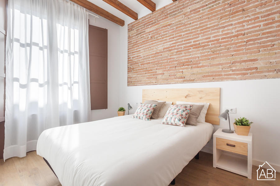 AB Premium Old Town 2-3 - Luxury Two- Bedroom Apartment in Vibrant Raval Quarter - AB Apartment Barcelona