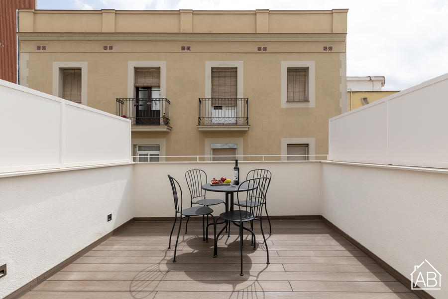AB Poble Nou Triplex - Modern and Stylish Two-Bedroom Apartment with Private Terrace in Poblenou Neighbourhood - AB Apartment Barcelona