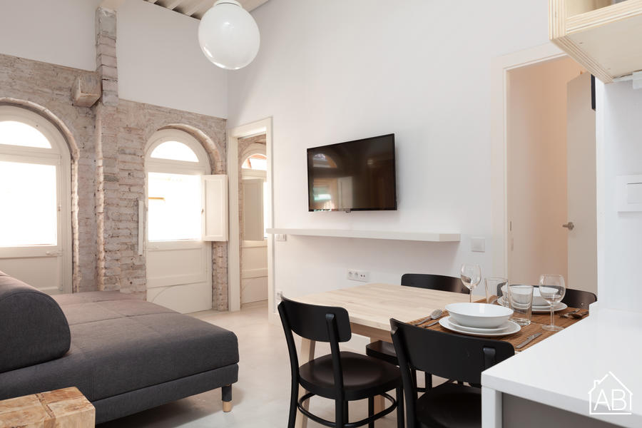 Cortines 1 - Contemporary Two Bedroom Apartment in Heart of El Born Neighbourhood - AB Apartment Barcelona
