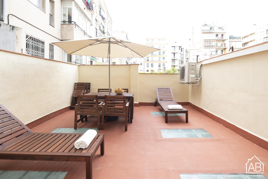 AB Bailen Apartment - Bright and welcoming apartment in the heart of Barcelona for up to 9 peopleAB Apartment Barcelona -