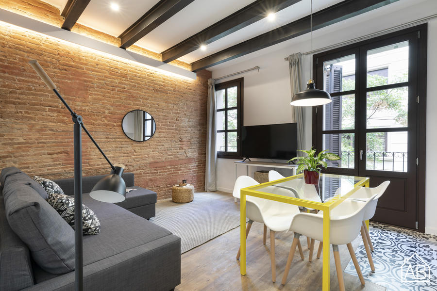 AB EIXAMPLE BATLLO- 2 - Stylish two-bedroom apartment with balcony in EixampleAB Apartment Barcelona -