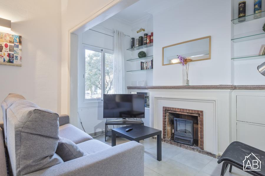 Large Apartment near Sants Station T1 - Spacious 4-bedroom apartment for up to 14 people near Sants Station  - AB Apartment Barcelona