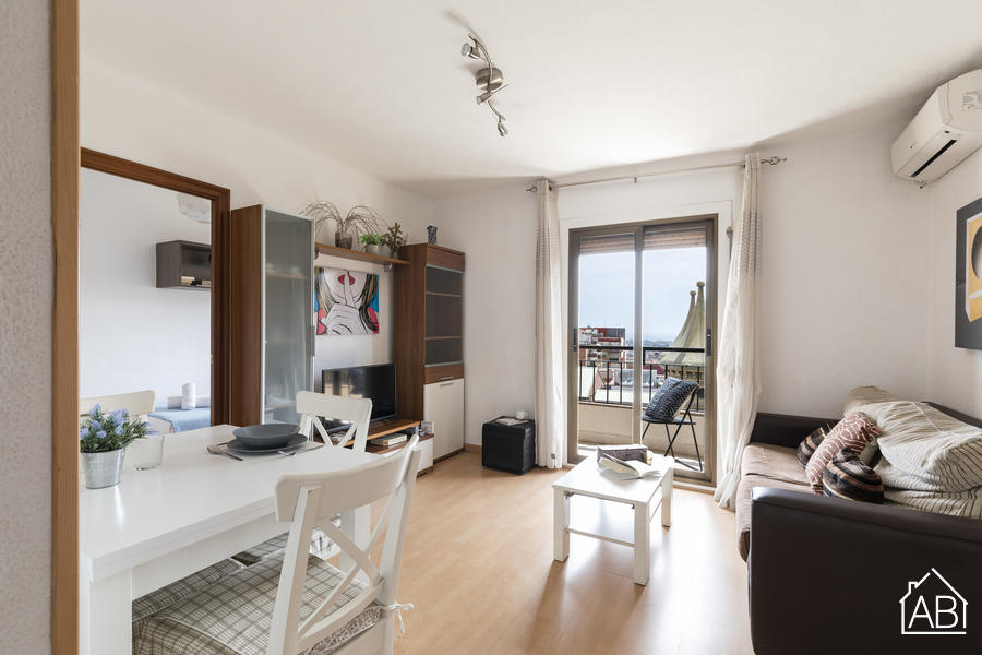 AB SANT PAU - Spacious three bedroom apartment with balcony and views to The Sagrada Familia - AB Apartment Barcelona