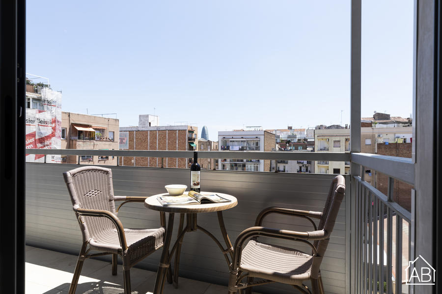 AB Sagrada Familia Premium IV-II - Recently refurbished 2 bedroom apartment complete with own balcony near Sagrada FamiliaAB Apartment Barcelona -
