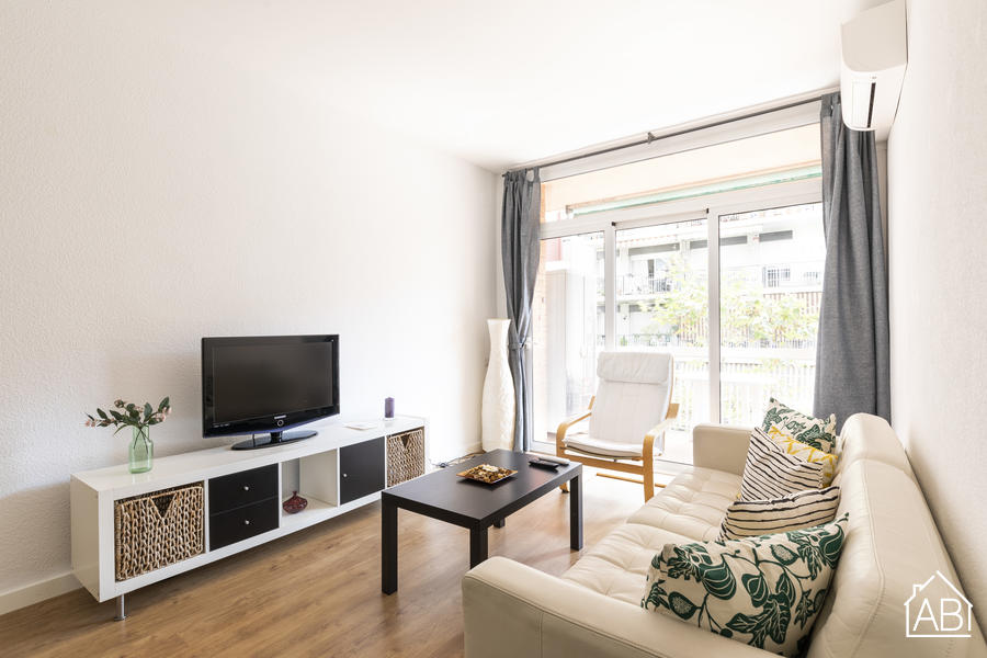 AB Camp de l´Arpa - Spacious & Bright Three-bedroom Apartment with Balcony in Sant Martí - AB Apartment Barcelona