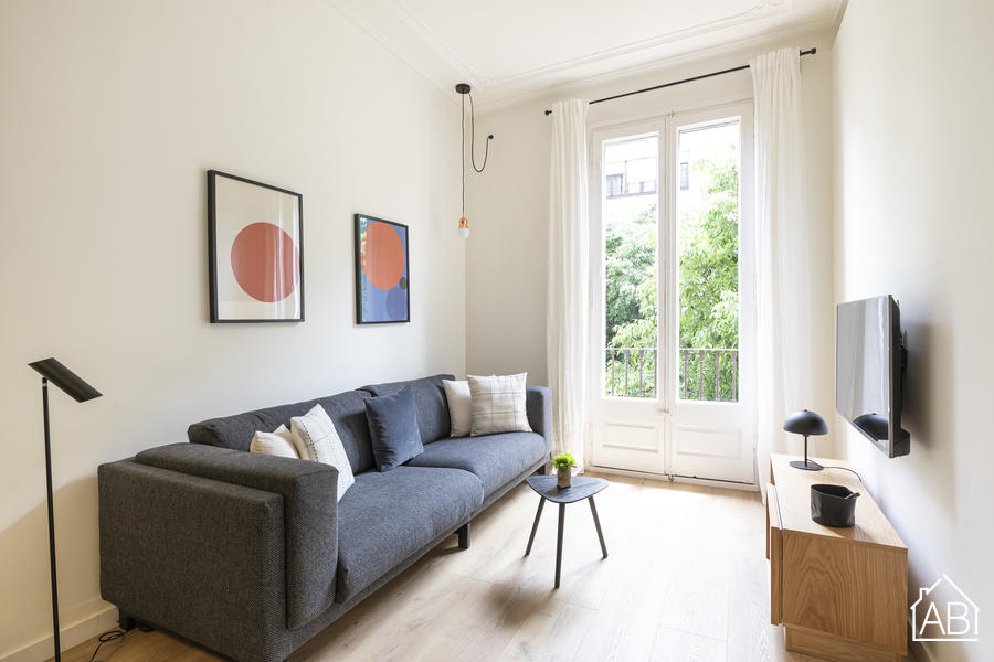 AB Centric Universitat II - Modern & Bright Three-Bedroom Apartment in the City Centre - AB Apartment Barcelona