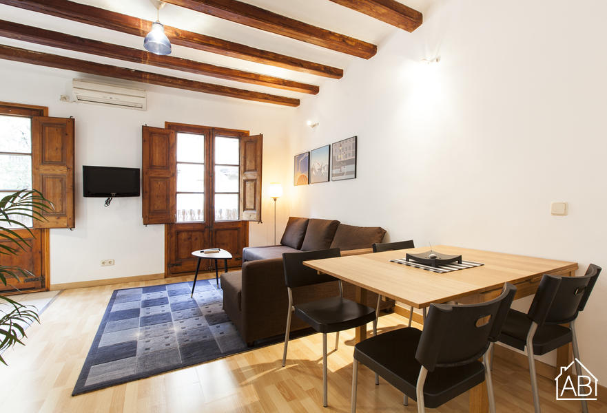 AB Central Villarroel - Trendiges Apartment im Stadtzentrum mit Balkon, 15 Minuten zum Plaça Catalunya  - AB Apartment Barcelona