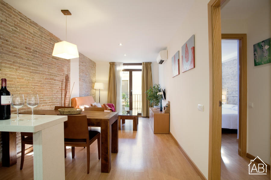 Ramblas Liceu 401 - Cozy apartment in a great location, just minutes from Las Ramblas - AB Apartment Barcelona
