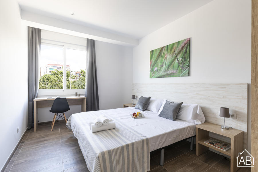 AB Monumental 1-2 - Bright & Modern Three-Bedroom Apartment in EixampleAB Apartment Barcelona -