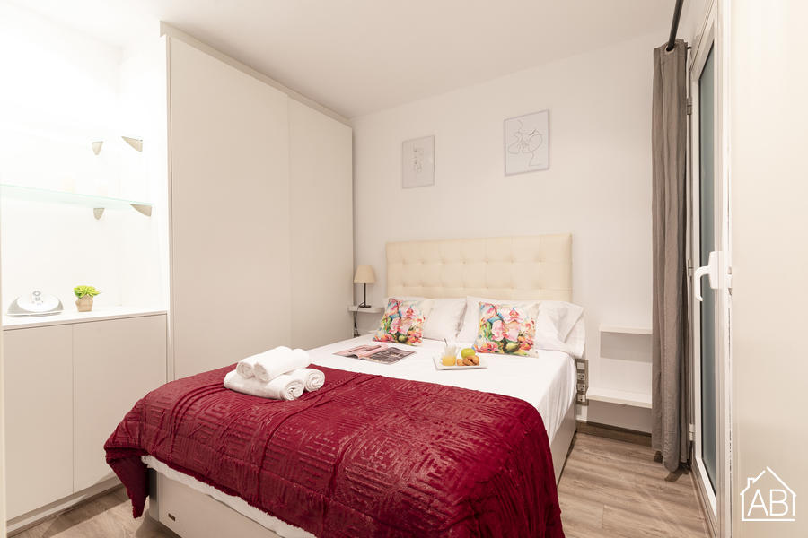 AB  Enric Granados - Modern One-Bedroom Apartment in City CentreAB Apartment Barcelona -