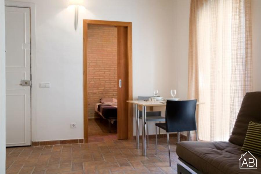 AB Barceloneta Beach 443 - Cosy 2-bedroom Apartment near the Beach - AB Apartment Barcelona
