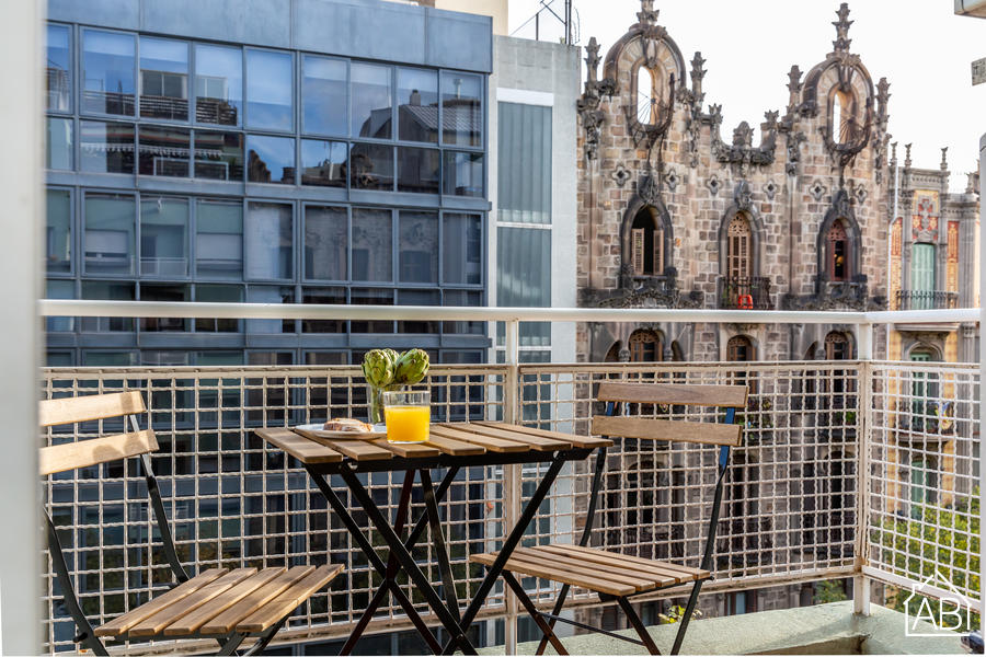 AB Enric Granados Apartment - Central and Spacious 4-Bedroom Apartment just 5 Minutes from Passeig de Gràcia - AB Apartment Barcelona